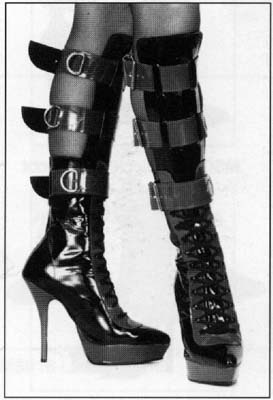 3-Strap Fetish Smegg Boots With Platform