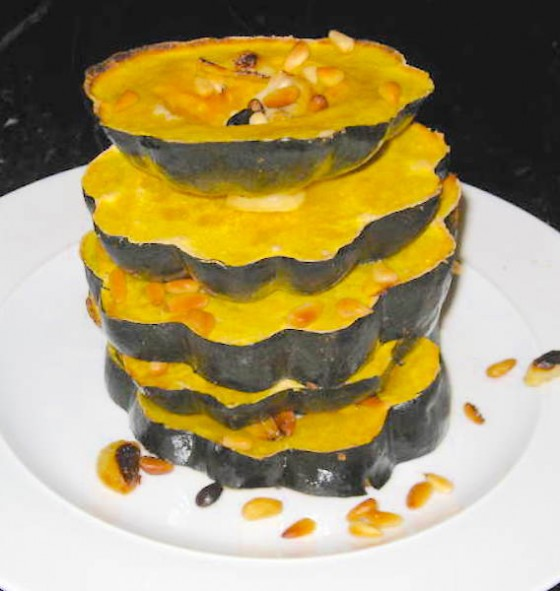 BAKED ACORN SQUASH RINGS WITH PINE NUTS AND GARLIC